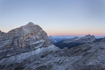 Europe, Italy, Veneto, Belluno, Cortina d Ampezzo. Dawn towards Tofana di Rozes, Antelao, Croda da Lago, Pelmo, Dolomites