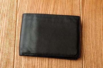 кошелек на столе
