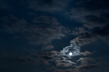 Keuken foto achterwand Nacht Dramatic night sky with clouds and bright full moon