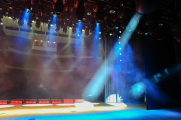 Illuminated show stage