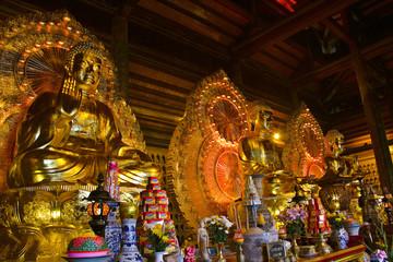 バイディン寺の金銅像 釈迦如来