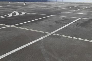 leerer Parkplatz