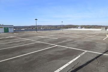 verlassener Parkplatz