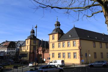 Straßenverkehr vor Schönborner Hof Aschaffenburg