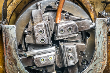 metal clip milling machine