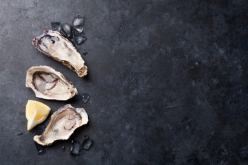 Oysters and lemon over ice