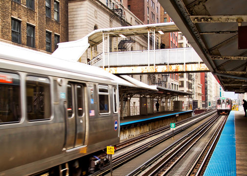 """Transit system in Chicago - The Elevated """"el"""" train."""