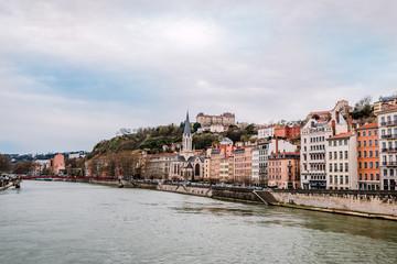 Quartier Saint-Georges et vieux Lyon vu des quais de Saône