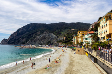 Foto op Plexiglas Nice Monterosso al Mare, a coastal village and resort in Cinque Terre, Italy