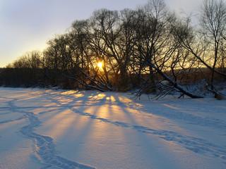 Зимний морозный закат