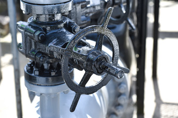 Oil pipelines and valves