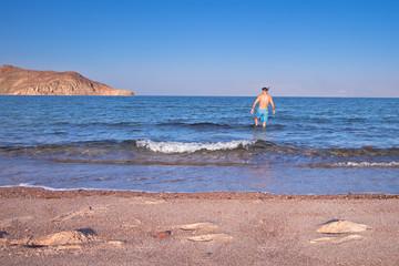 Wakacje w Egipcie. Plaża na wybrzeżu morza czerwonego.