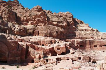 Giordania, sito archeologico di Petra, 02/10/2013: la Strada delle Facciate, la fila di tombe monumentali scavate nella parete rocciosa a sud del Tesoro nella città rosa dei Nabatei