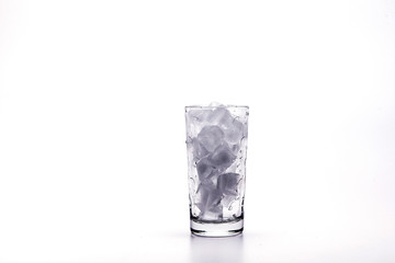 01153 Ice water in the glass (3)