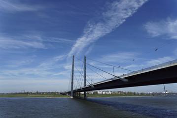 Rheinkniebrücke 4