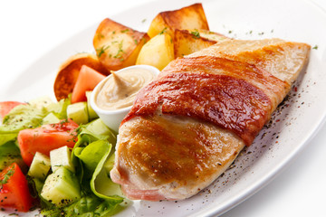 Grilled chicken fillet with potatoes