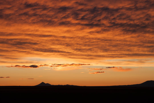 Montana sunset with mountains