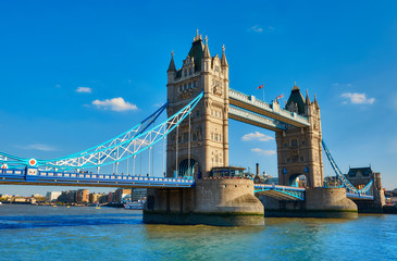 Wall Mural - Tower Bridge on a bright sunny day in spring.
