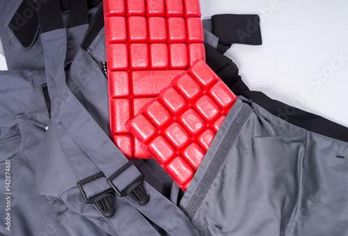 kniepolster arbeitshose mit kniepolster stockfotos und lizenzfreie bilder auf. Black Bedroom Furniture Sets. Home Design Ideas