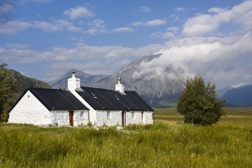 Lovely white house in scenic Glencoe