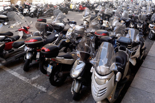 parking, motorcycle Genoa Italy