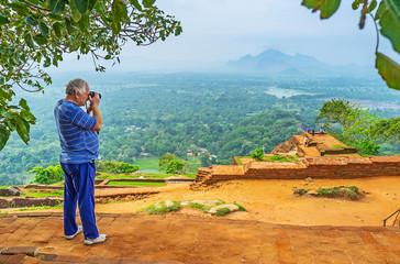 Making pictures in Sigiriya
