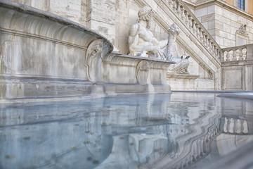 Antica fontana nel cuore di Roma, Italia