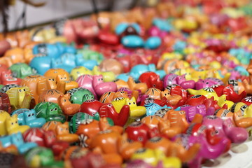 Art local hippopotames colorés