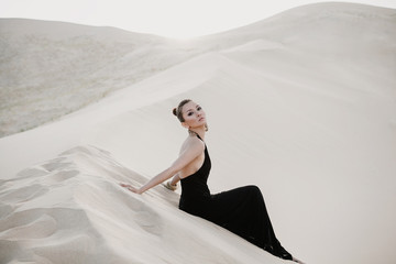 Photo shoot of beautiful asian woman in desert