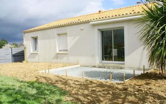 travaux de construction de terrasse de maison