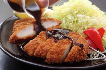 豚カツ ソース 揚げ物 野菜