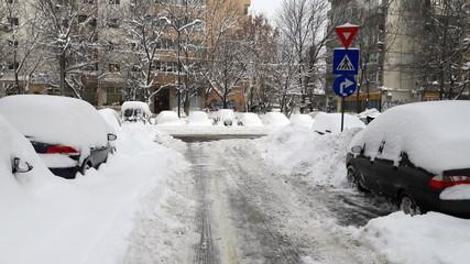 Heavy snow in the city