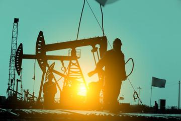Fotobehang Schip The oil workers at work