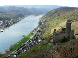 Burg Maus und Kestert im Rheintal