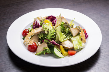fresh vegetable salad with chicken