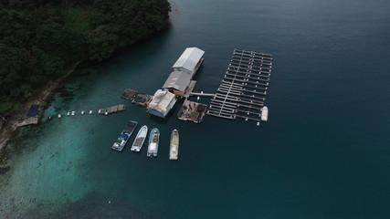 海 筏 真珠養殖場 ボート 小舟 自然 ドローン 空撮 鳥の目