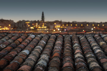 Dach mit Blick über die Stadt