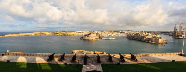 Great harbor and the three cities opposite the Valletta. malt