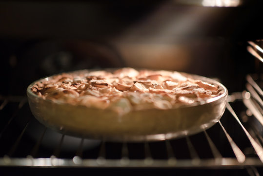 The apple pie in the oven