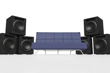 Blaues Sofa und Basslautsprecher