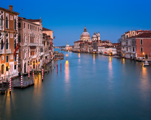 Fotomurales - Grand Canal and Santa Maria della Salute Church in the Evening, Venice, Italy