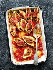 rustic italian stuffed conchiglie pasta