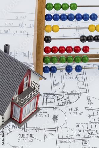Wohnhaus abakus bauplan stockfotos und lizenzfreie for Bauplan wohnhaus