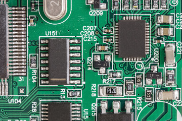 Electronic components with a microprocessor on the printed circuit board.