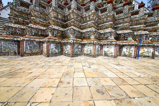 pavement gold    temple     bangkok