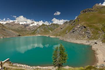 Photo sur Aluminium Reflexion View to Monte Rosa mount and Gabiet Lake. Italian Alps