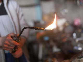 Fotobehang Hot chili peppers Gas welding tool