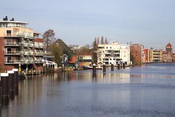 Zaandam, edifici sull'acqua