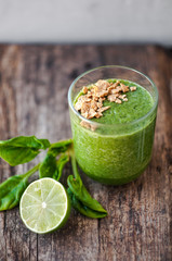 Green smoothie with lime and spinach