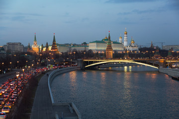 Poster Tokyo Russia, Moscow, night view of the Moskva River, Bridge and the Kremlin